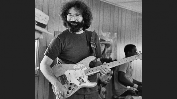 "Jerry Garcia's ""Alligator"" '50s Strat Will Be Up For Auction – Rock Pasta"
